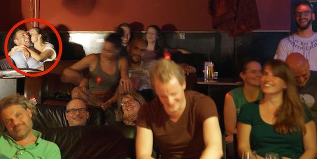 knutschen-in-der-comedy-show
